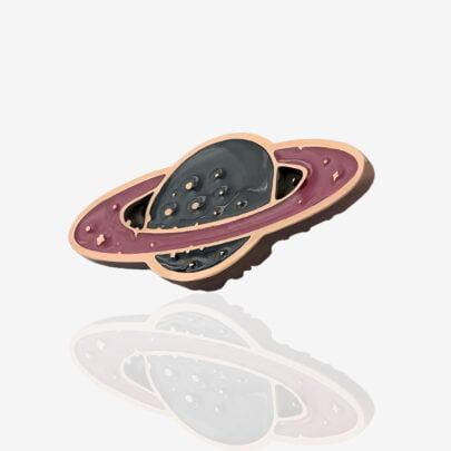 Metalowe pinsy w kształcie galaktycznej planety Pnswr17 od Pinswear Polskiego producenta ręcznie malowanych przypinek