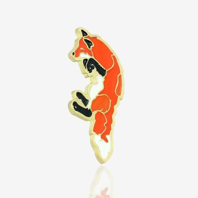 Ręcznie emaliowane przypinki od Pinswear z serii las, rudy lis na zamówienie od producenta przypinek metalowych