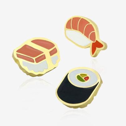 Seria trzech pinów sushi, maki-zushi, ebi nigiri, tako nigiri od Pinswear ręcznie malowane przypinki od Polskiego producenta