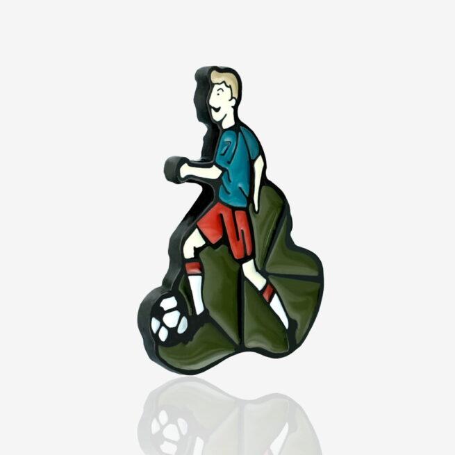 Metalowa przypinka zaprojektowana przez studio graficzne Polkadot od Polskiego producenta Pinswear
