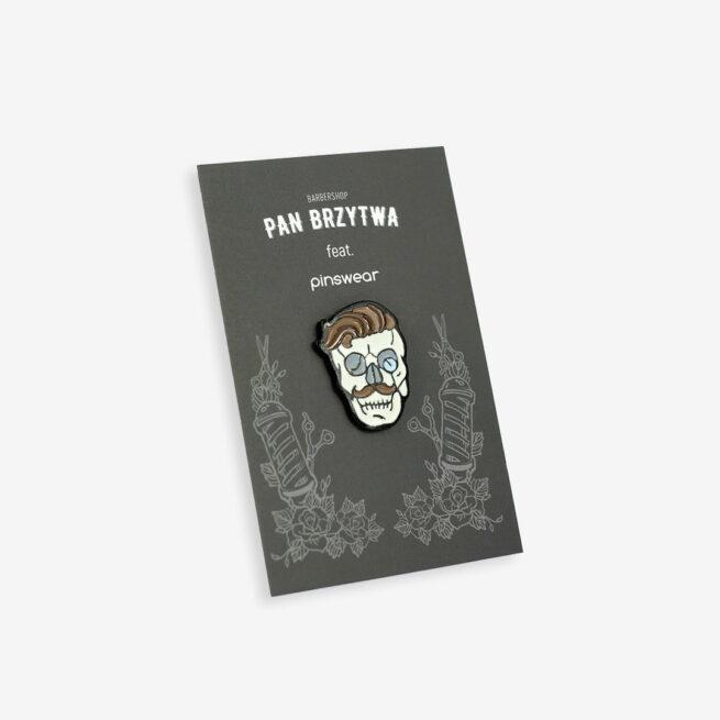 Pins brzytwa z dekoracyjnym uchwytem ręcznie malowana metalowa przypinka do ubrania na zamówienie od Poslkiego producenta Pinswear