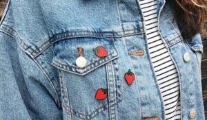 Ręcznie malowane przypinki z wyprzedaży truskawki od producenta metalowych przypinek od pinswear