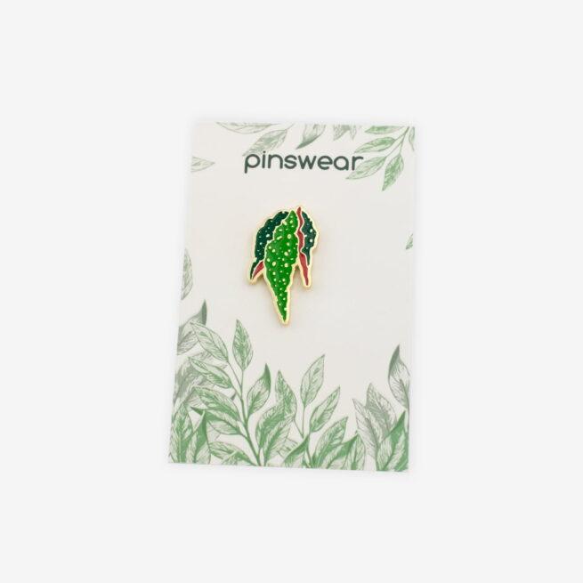 Przypinki metalowe w kształcie begoni koralowej, begonia maculata od producenta ręcznie malowanych pinów od Pinswear wpieta w personalizowaną