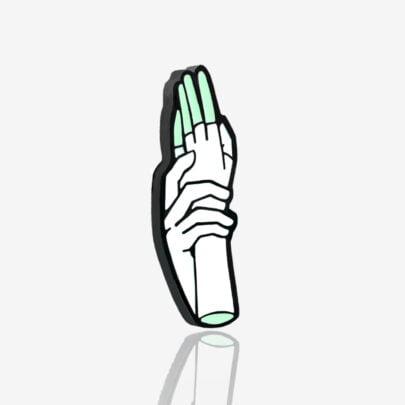 Ręcznie malowany pin puls z kolekcji nie rób kwasu zaprojektowanej przez Katarzynę Kwaśniewską dla Pinswear producenta metalowych pinów