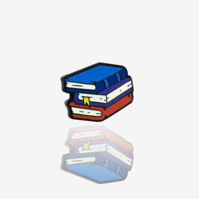 Ręcznie malowany pin ksiązki wykończone w czarnym patynolu od producenta metalowych pinów od Pinswear