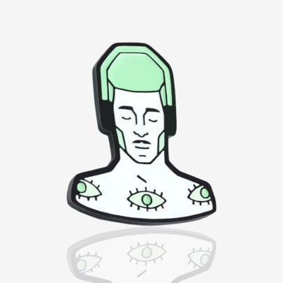 Ręcznie malowany pin szaman z kolekcji nie rób kwasu zaprojektowanej przez Katarzynę Kwaśniewską dla Pinswear producenta metalowych pinów