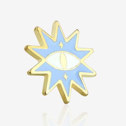 Ręcznie malowne pinsy słońce powstałe przy współpracy z Katarzyna Kwaśniewską w błyszczącym złocie od producenta metlowych pinów od Pinswear